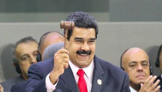 """ONCE PUNTOS DE LA DECLARACION DE MARGARITA SOBRE EL MNOAL      Once puntos de la Declaración de Margarita sobre el MNOAL El dignatario venezolano aseguró que este mando """"será usado con firmeza y lealtad para la causa de nuestros pueblos"""". El presidente Nicolás Maduro anunció este sábado los once compromisos que impulsará Venezuela en su rol de presidente del Movimiento de Países No Alineados (MNOAL). 1.- Acelerar los procesos del sistema de Naciones Unidas para lograr su verdadera…"""