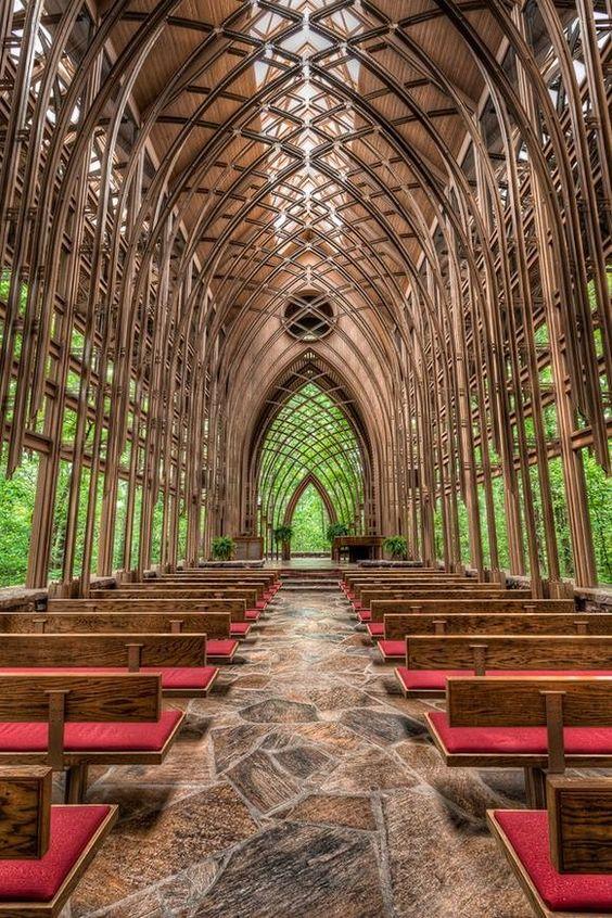 Glass Chapel in Branson, Missouri