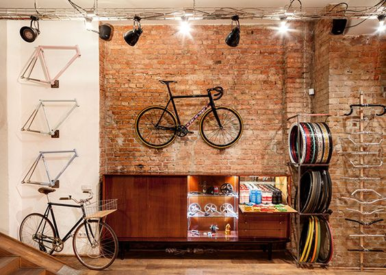 Inside Standert Bicycles Shop & Café   GIRPATEN BIKE WORKS