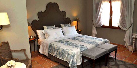   LA MOZAIRA   Hotel La Mozaira, con encanto cerca del aeropuerto de Manises, habitación Brigida  