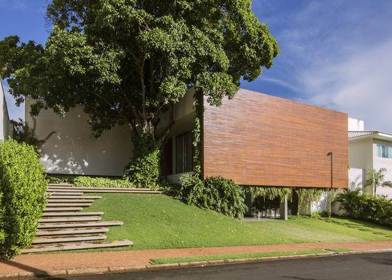 A habitação RMJ foi projectada por Felipe Bueno Arquitetura…