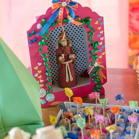 Ôh sô! Detalhes tão lindinhos do arraiá da Helena!  #festajunina #festajuninamenina #festajuninapersonalizada  #produção #decoração #mimosedesign