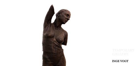Temporary Gallery // Inge Vogt   Besonders die Skulpturen haben es uns angetan. Fragil, grazil, voller, Anmut, Stärke und Charakter. Man hat das Gefühl, sie würden ihre Geschichte erzählen...  Also hingehen und zuhören.  #TemporaryGallery #IngeVogt #TMP #Oldenburg #Immobilienmakler