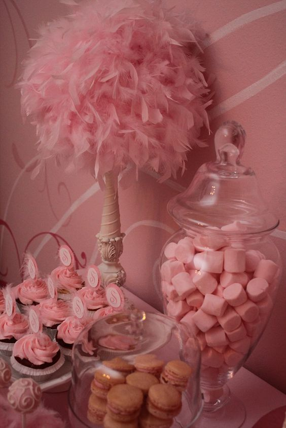One huge pinkalicious photo gallery