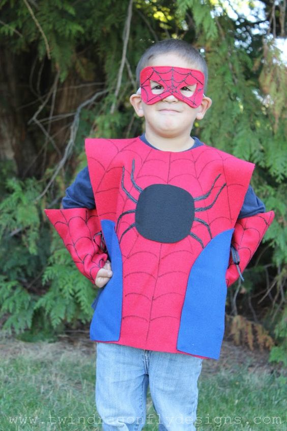 No sewing skills needed for this super hero DIY Halloween kids costume - super easy!