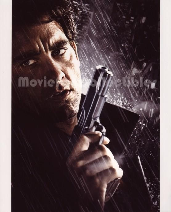 Sin City Photo armed and dangerous Clive Owen