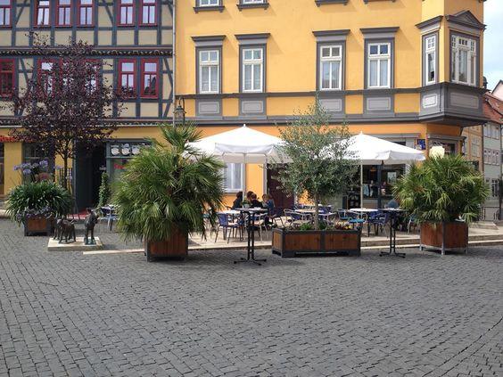 www.lokalfinder-thueringen.de/lokal/eiscafe-marini Direkt im Herzen der wunderschönen historischen Altstadt von Bad Langensalza kann man im Eiscafé Marini original italienisches Eis aus eigener Produktion genießen!