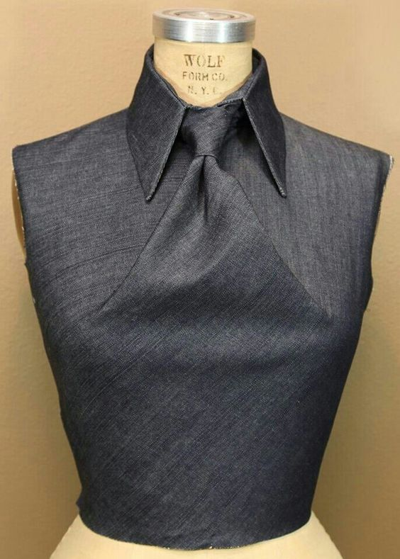 i think is so cool and super-classy! Fabric manipulation | Origami shirt, tie knot but no tie :) . . .