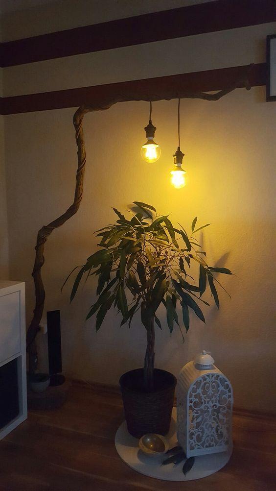 Man nehme einen Ast eine Dicke Scheibe Holz als Fuß, 2 Pendel & 2 Edison Glühbirnen. Stimmungsvolle Abend Beleuchtung...