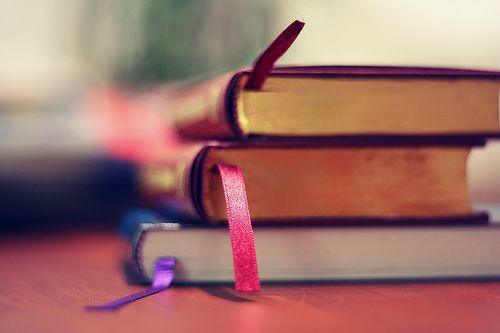 3 libros apilados
