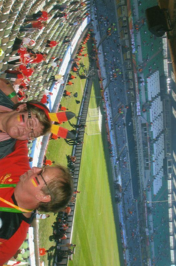 Suedafrika-Fußball WM Das Spiel : Deutschland  gegen England und mein Mann und ich sind dabei