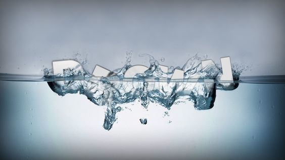 Typography in Water — Crafthubs