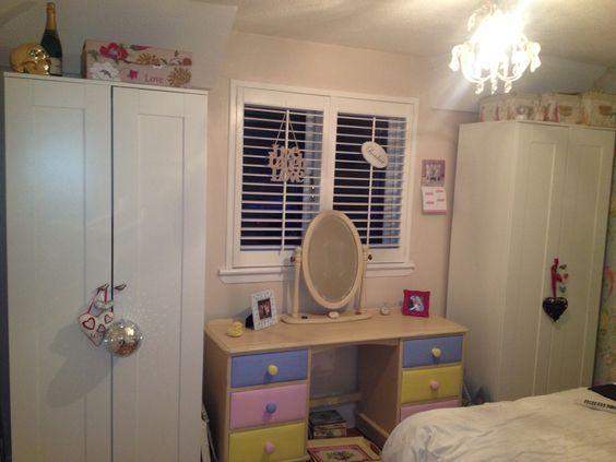Love my wee dresser:)