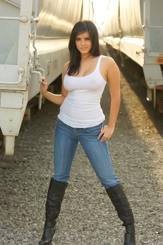 hot women in jeans and boots - photo #8