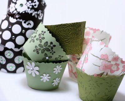 cupcake wrappers using scrapbook paper