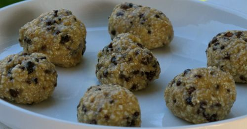 Cacao Chip Cookie Dough Balls