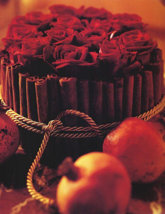 #Romantische #Dekoration by Brigitte von Boch #Granatapfel #Rose #romantic