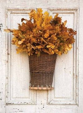 #AutumnAccessories - Willow Picking Basket with Oak Leaf Picks #ParkHillCollection