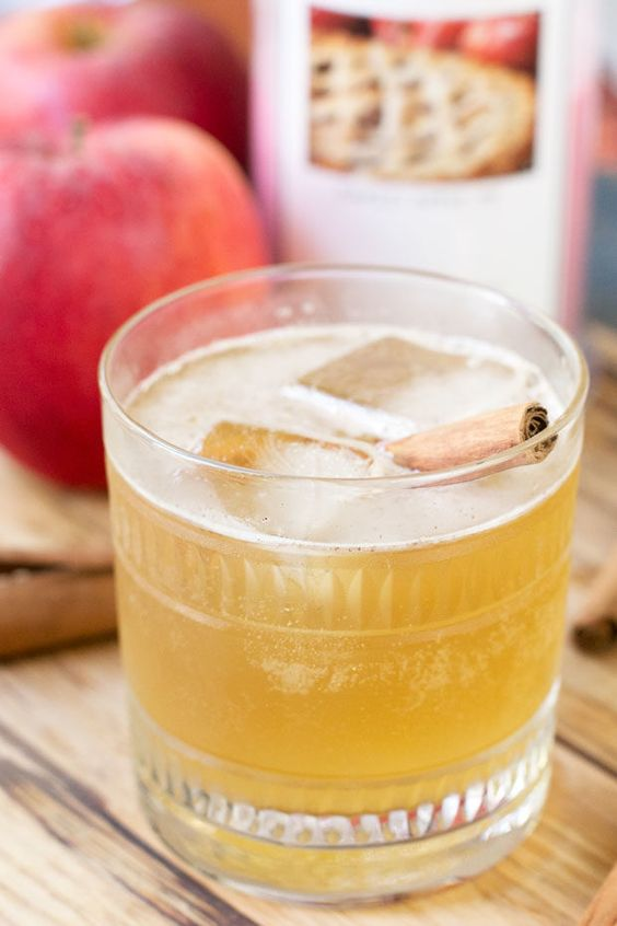 Bourbon Apple Cider Fizz from @cakenknife