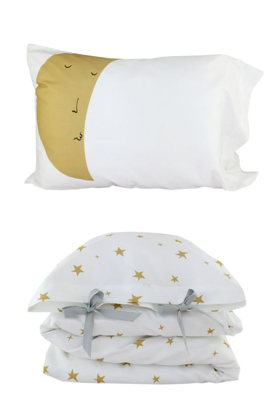 This is it! I finally found the bedding for Bird's toddler bed!