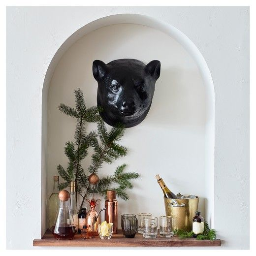 For A Rustic Vibe Without The Fur Put Up The Bear Head Wall Decor