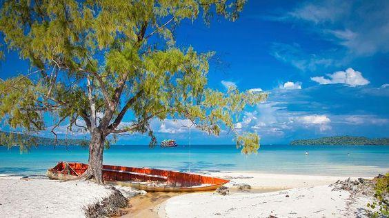 Plages de Sihanoukville. En bordure du golfe de Siam, des plages de sable blanc…