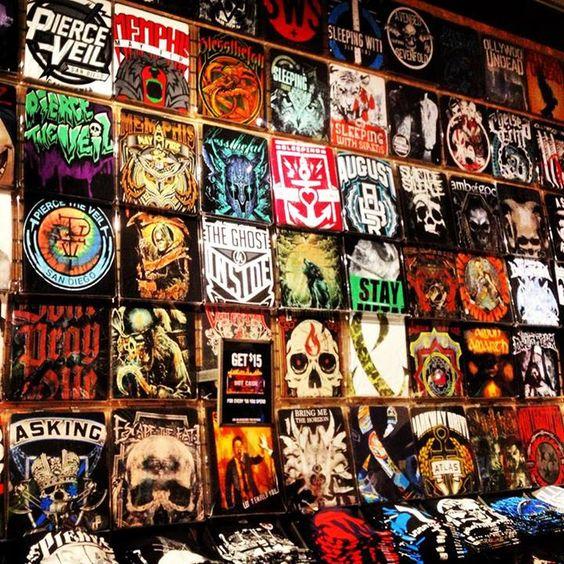 hot topic t shirt wall