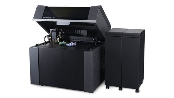J750/ Stratasys lance une nouvelle imprimante 3D multi-matériaux