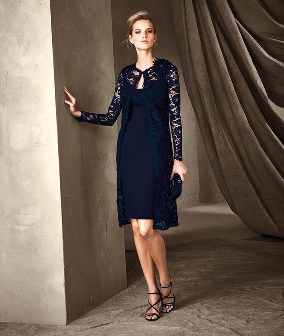 لباس شب گیپوری با سارافن دکلته سورمه ای