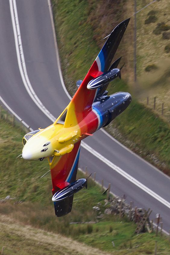 Jonathan Whalley flying Miss Demeanour superbly LOW level through Snowdonia.