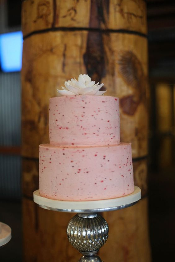 Rustic summer wedding cakes