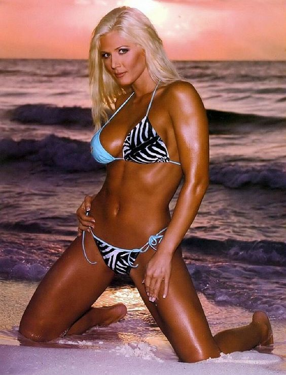 Female fitness models and female fitness competitors - Diva my body your body ...