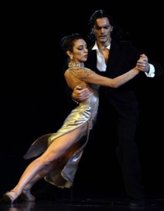 photos of TANGO dancing