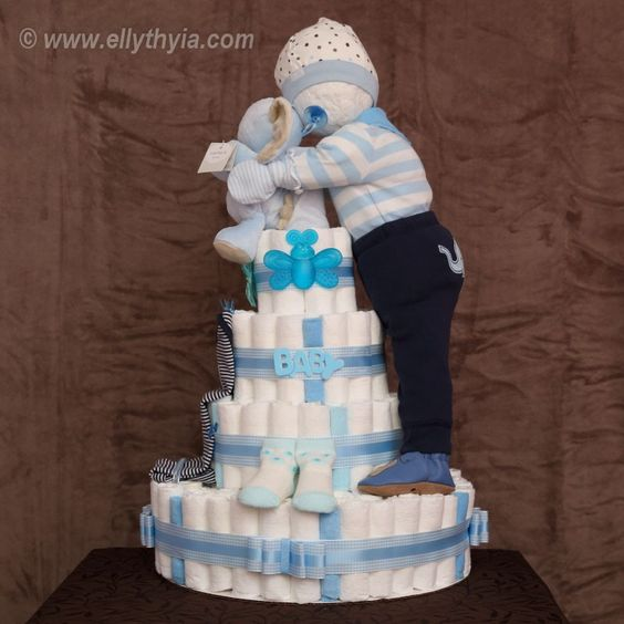 Baby Boy Gifts On Pinterest : Blue elephant and baby boy diaper cake kare