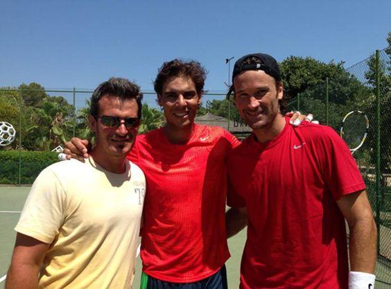 Rafa Nadal · 24 July 2013  Hoy buen entrenamiento... Con muy buena compañía!!  Today great practice... With very good friends!!