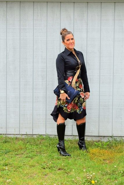 Top Target (Massimo), skirt and scarf Mango, faux leather belt Marshalls, Boots Chinese Laundry and purse Kookai.