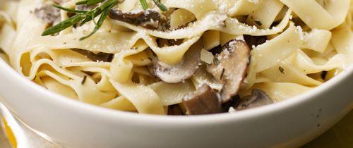 skinny girl  low fat creamy mushroom pasta