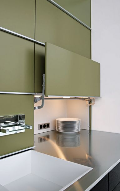 mehr stauraum f r k chen versteckte arbeitsfl che concept 40 von leicht toaster. Black Bedroom Furniture Sets. Home Design Ideas