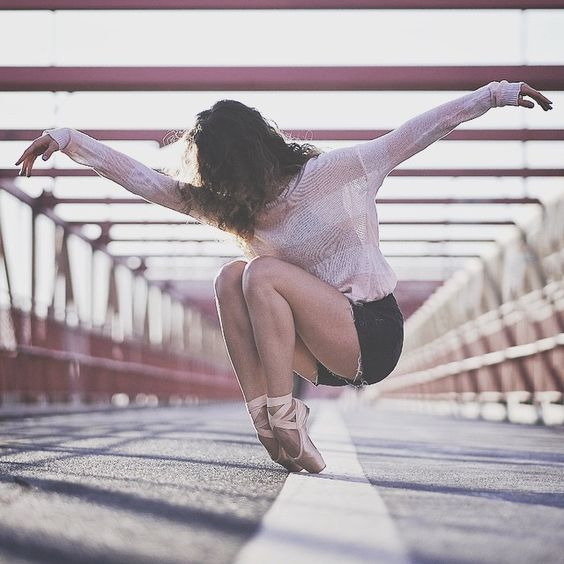 Manon Hallay for #OZR_Dance. #Ballet_beautie #sur_les_pointes *Ballet_beautie, sur les pointes !*