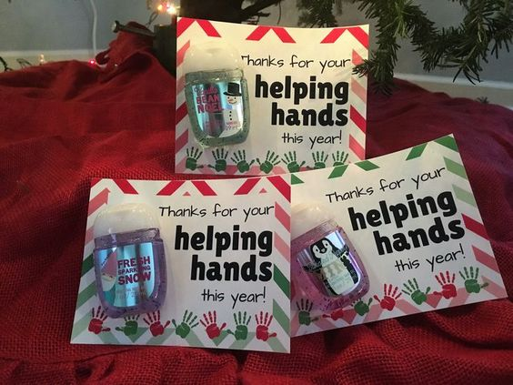 Teacher Gifts : Thanks for your helping hands this year! Free Download printable for Christmas volunteer appreciation gifts. #kidmin