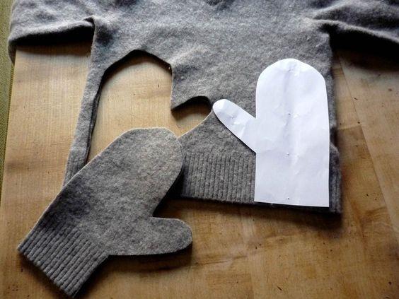Forma de unas manoplas recortadas en un viejo jersey