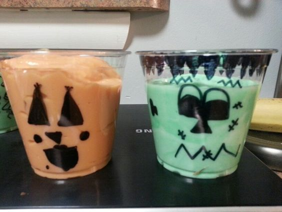 Made yummy Halloween snack cups for the class parties.  I used low fat pudding and yogurt to keep it somewhat healthy. The kids had fun drawing the faces on the cups.