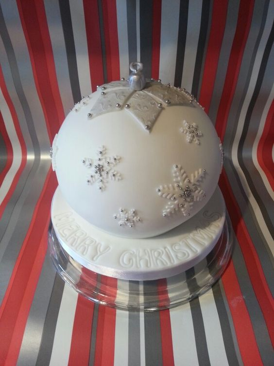 Christmas Bauble Cake Images : Cakes, Christmas baubles and Cake decorating supplies on ...