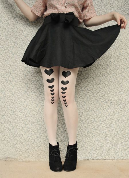 Stenciled tights