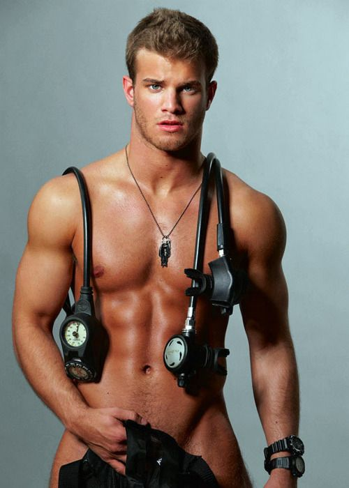 Gay in man muscular uniform