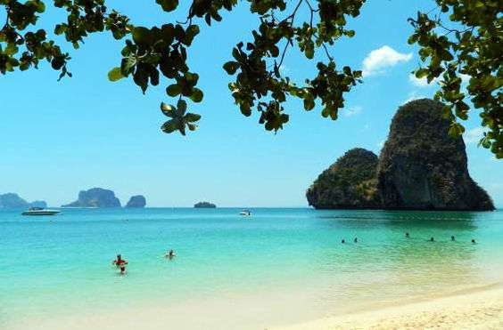 Praia Phra Nang, Railay (Tailândia) - Foto: Ticiana Giehl e Marquinhos Pereira/Desempacotados