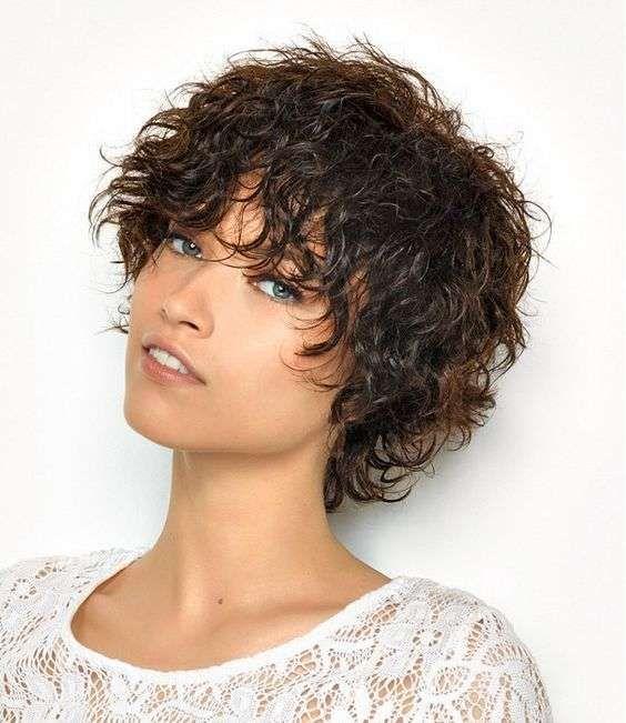 Gel di aloe capelli ricci