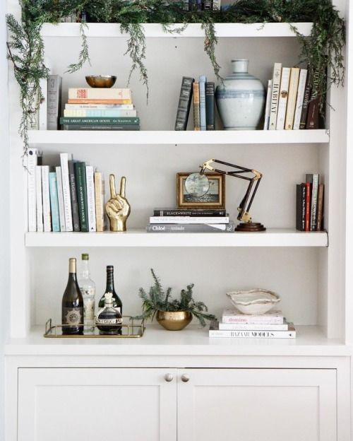If You Are Looking For Ideas To Decorate Those Empty Shelves In Your Living Room Take This Shelfie As An Example Books Are Home Decor Interior House Interior
