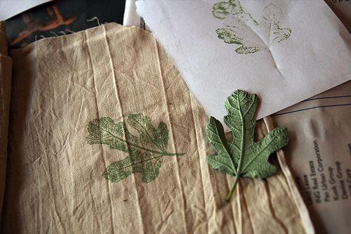 diy leaf printing on fabric