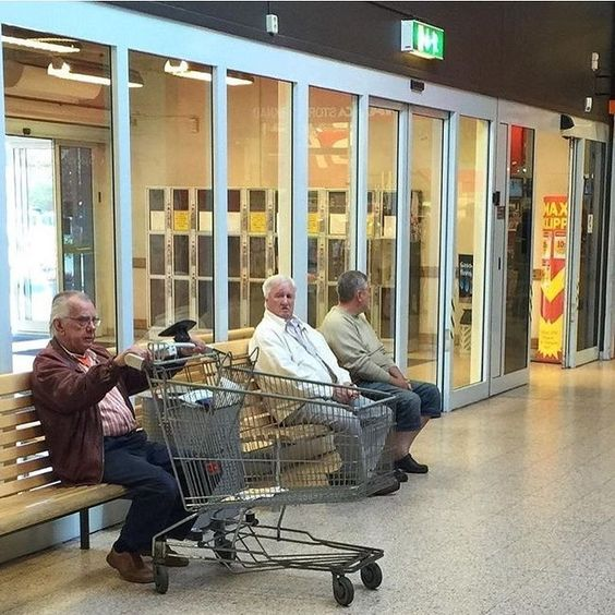 31 φωτογραφίες που δείχνουν πόσα αρέσουν τα ψώνια στους άντρες (Μέρος 1)